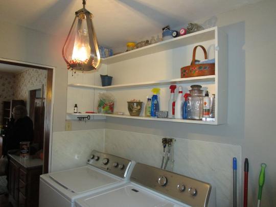 Washer/dryer hookup/Pantry